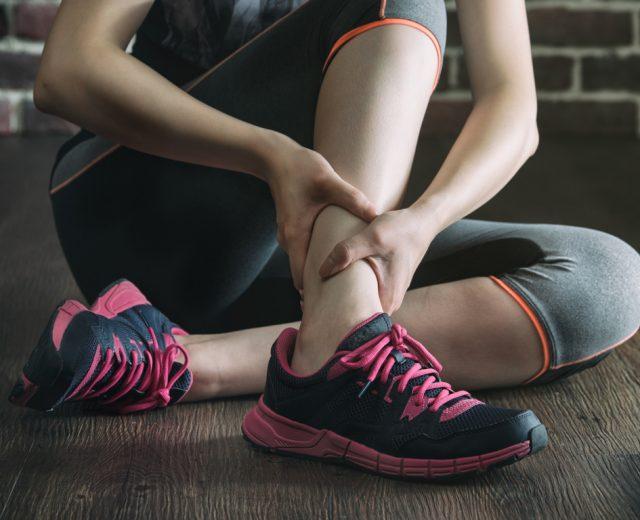 Crampi muscolari, come evitarli e curarli