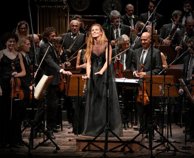 Una breve intervista con Beatrice Venezi, direttrice d'orchestra lucchese